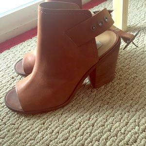 Steve Madden peep toe sandals size 9